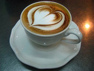 Creative-Latte-Art-Designs-09-Loving-Heart
